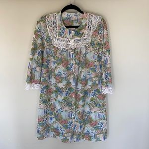 Vintage Floral And Lace Nightgown